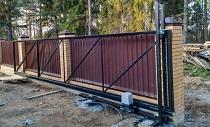 Преимущества установки откатных ворот в частном доме: виды и особенности