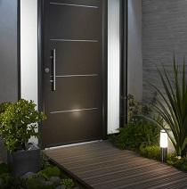 Бронированные входные двери: преимущества и характеристики и рекомендации