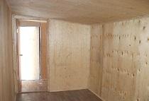 Отделка стен фанерой: достоинства, способы и этапы монтажа
