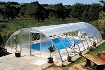 Павильон для бассейна из поликарбоната: достоинства, правила и этапы монтажа