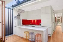 Климатическое оборудование на кухне: правильное размещение и особенности монтажа